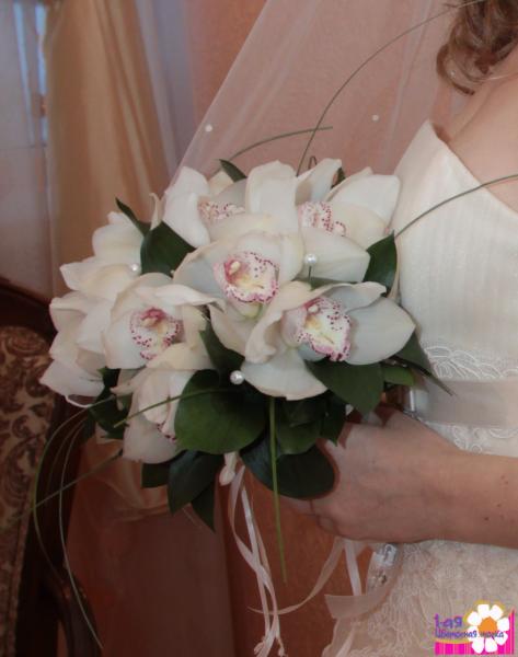 Букет невесты № 21 нежная классика из