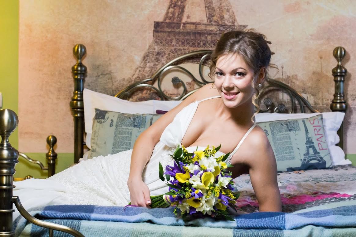 Букет невесты из ирисов и калл