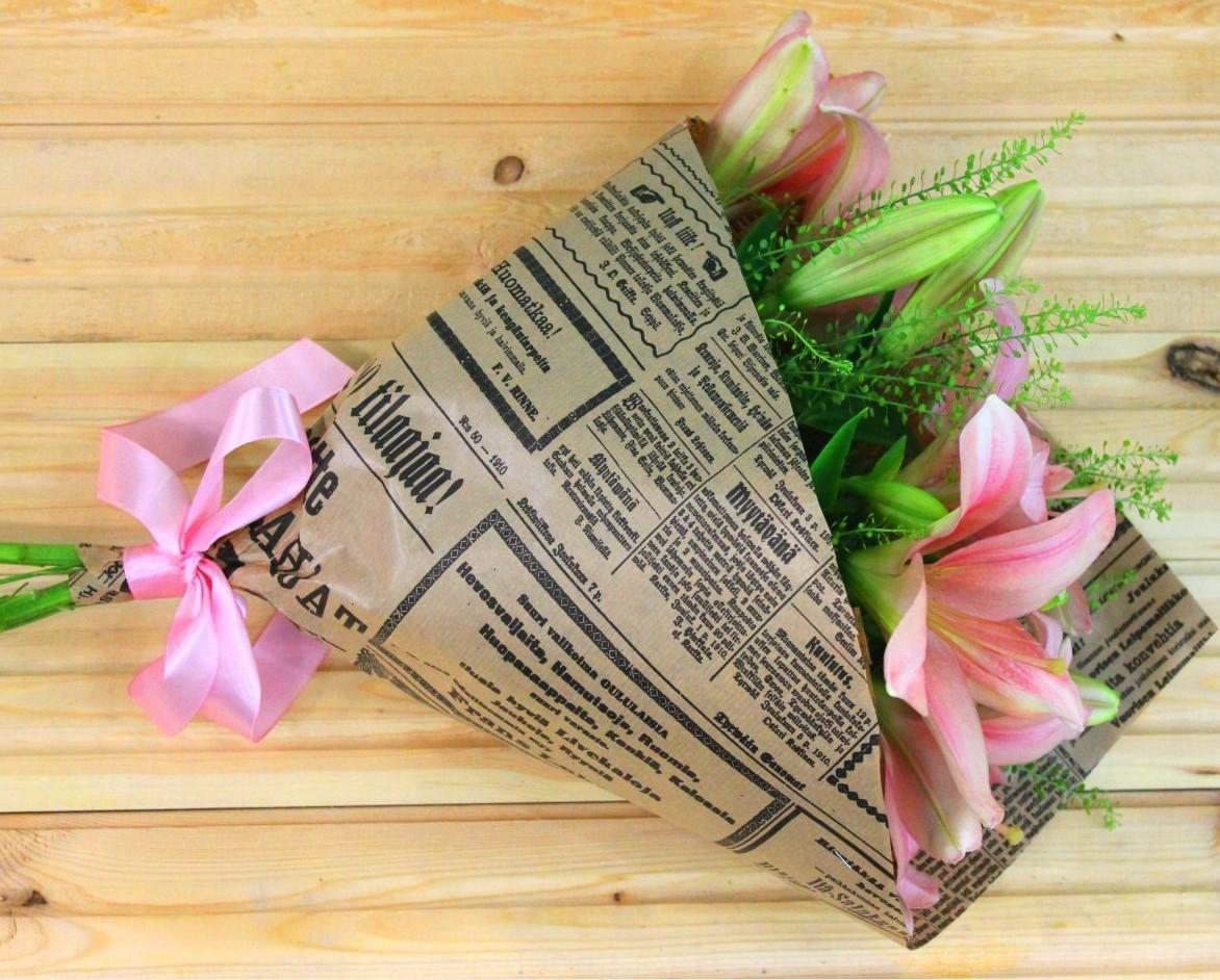 Запаковать цветы в бумагу фото