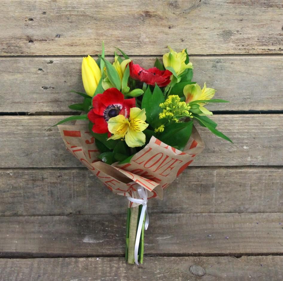 Детский букет для девочки из цветов