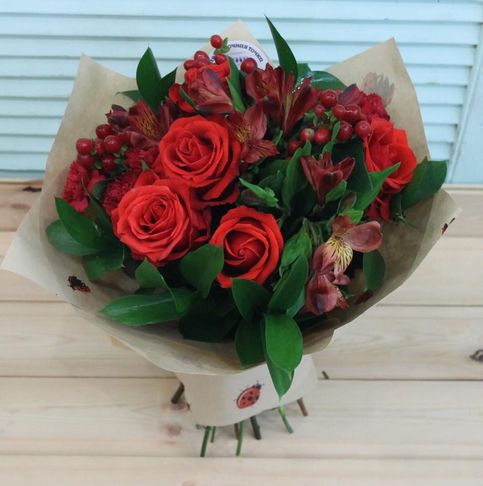 Доставка цветов букет из красных кустовых роз купить тюльпаны екатеринбург